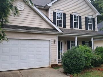 6111 Forest Pond Drive Charlotte, NC 28262 - Image