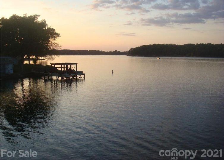 201 Twin Coves Lane Lake Wylie, SC 29710