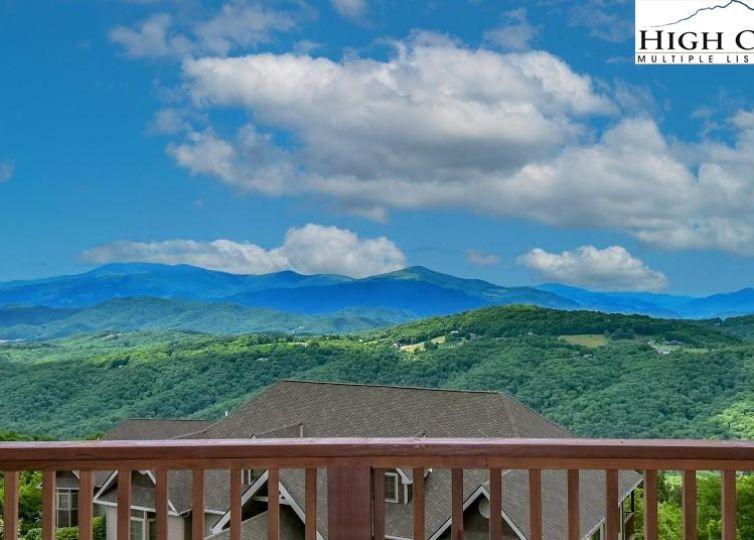 575 Craggy Pointe 13B Sugar Mountain, NC 28604