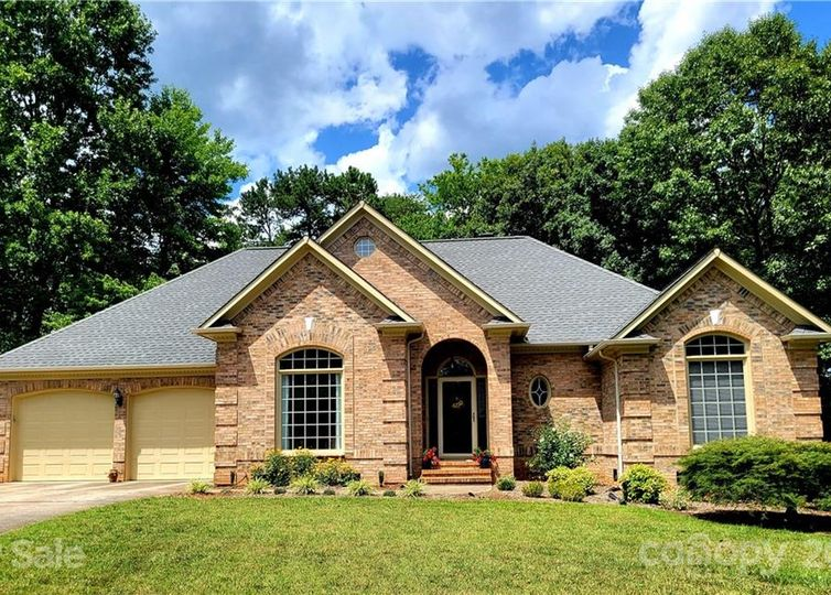 219 Classic Court Mount Holly, NC 28120