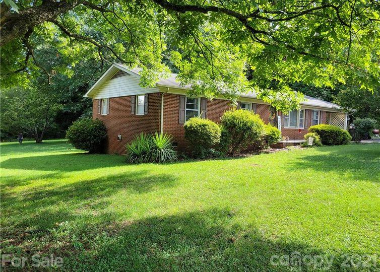 2601 Eva Drive Concord, NC 28027