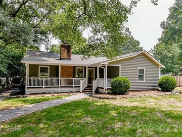 18034 Whispering Oaks Drive Cornelius, NC 28031 - Image 1