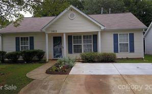 5913 Hamilton Oaks Drive Charlotte, NC 28216 - Image 1