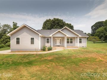 136 Brook Drive Mocksville, NC 27028 - Image 1