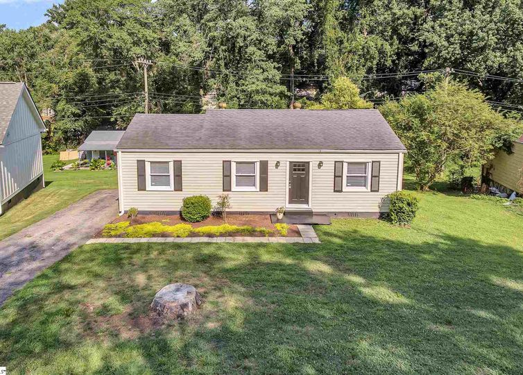 5 Foxhall Road Greenville, SC 29605