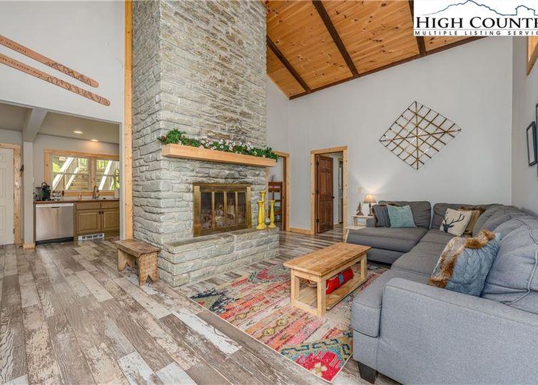 415 Charter Hills Road Beech Mountain, NC 28604