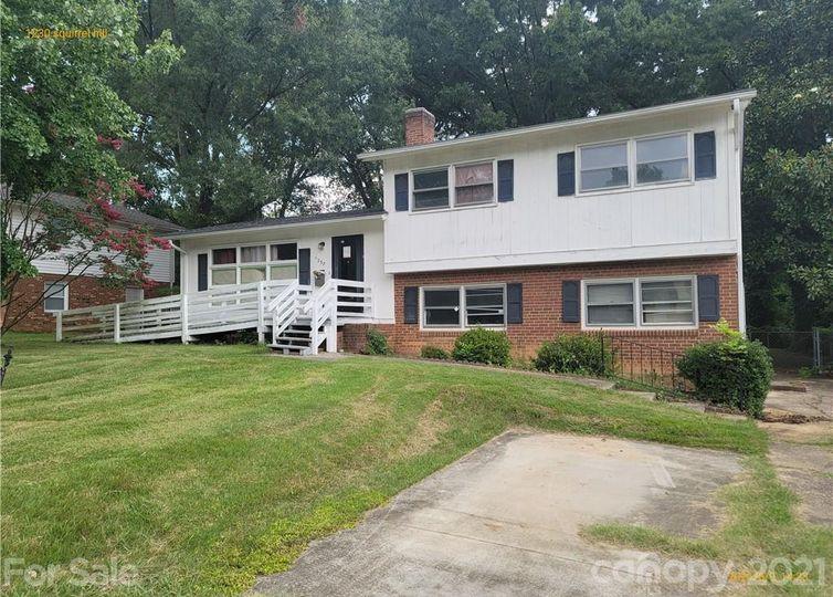 1230 Squirrel Hill Road Charlotte, NC 28213