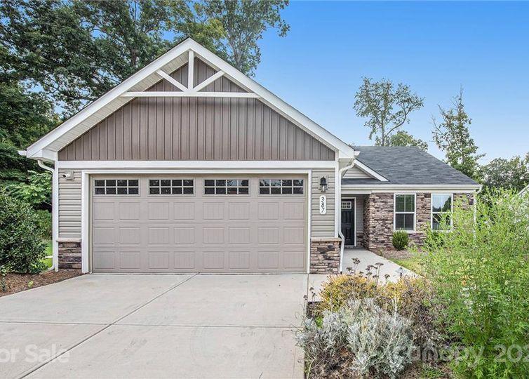 387 Hunton Forest Drive #90 Concord, NC 28027