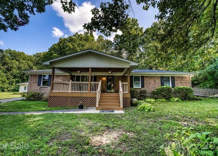 12108 Plover Drive Charlotte, NC 28269