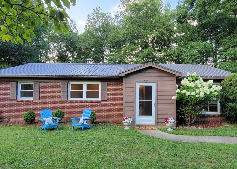 533 Forest Hill Drive Boone, NC 28607