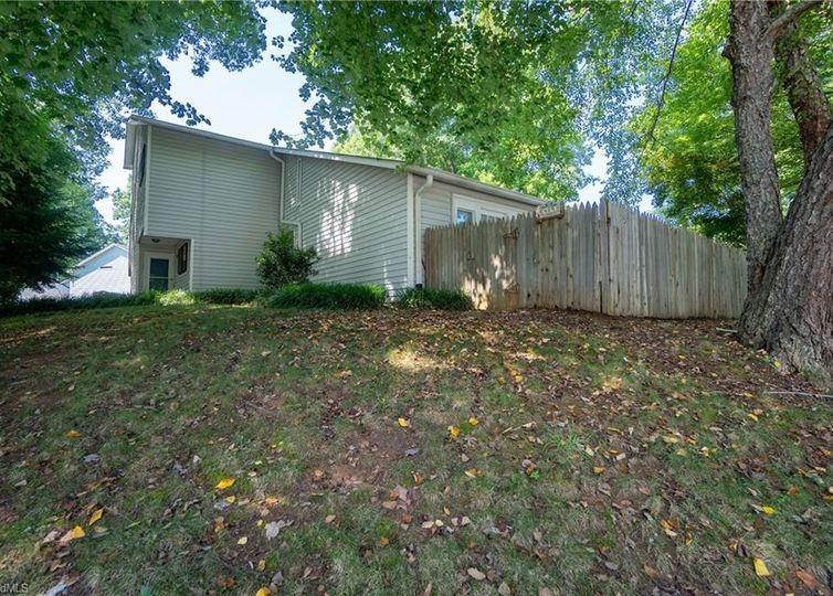 419 Brookside Court Kernersville, NC 27284