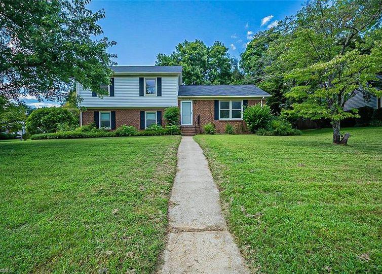 6108 Arcadia Drive Greensboro, NC 27410