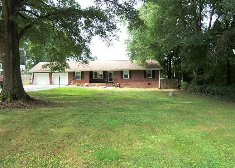 5004 Mallard Lake Drive Greensboro, NC 27406