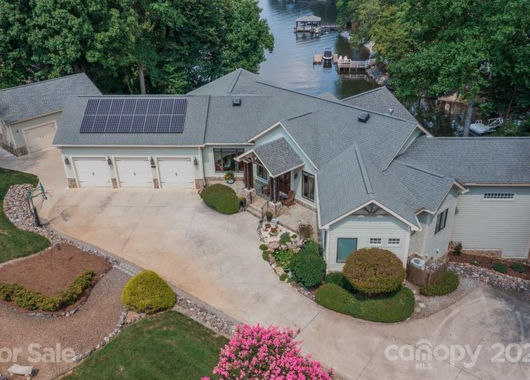 314 Lakeview Shores Loop Mooresville, NC 28117