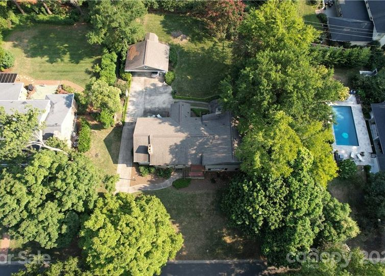 2911 Ferncliff Road photo #1