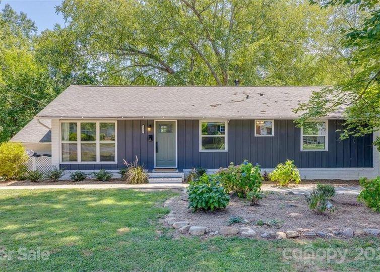 1337 Shannonhouse Drive Charlotte, NC 28215
