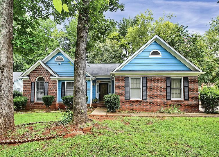 7202 McTeal Place Charlotte, NC 28262