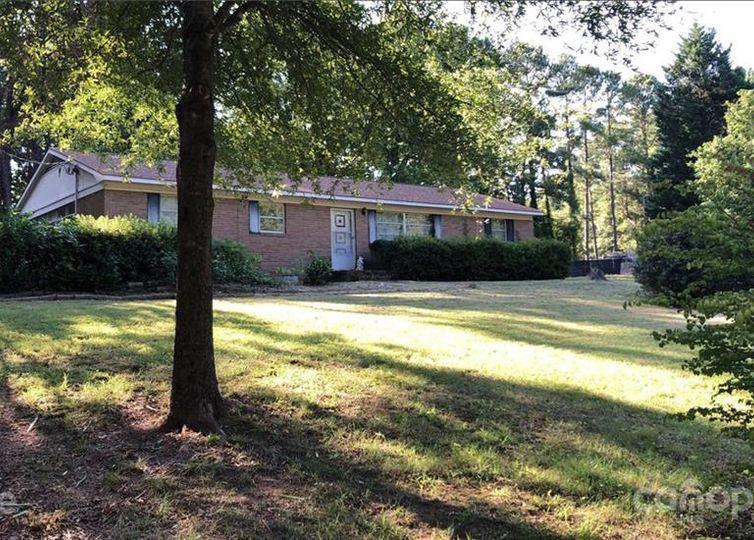 6515 Woodland Circle Charlotte, NC 28216