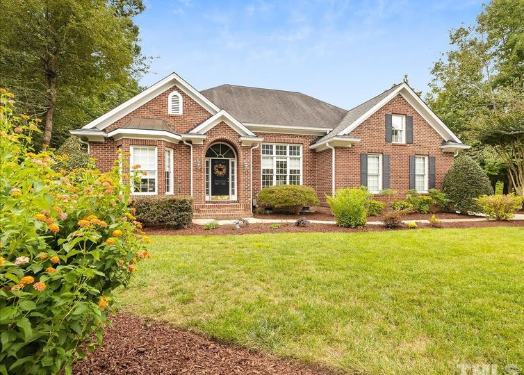 409 Kenmont Drive Holly Springs, NC 27540