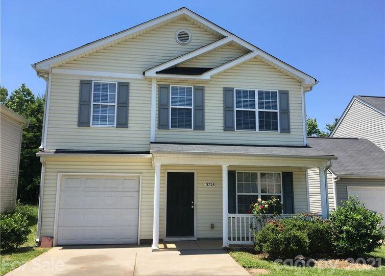 5728 Henderson Oaks Drive Charlotte, NC 28269