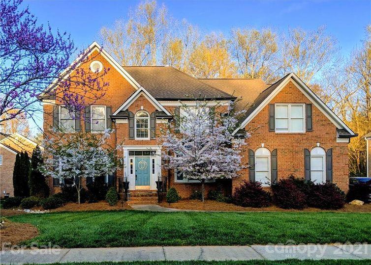 1715 Reverdy Oaks Drive Matthews, NC 28105