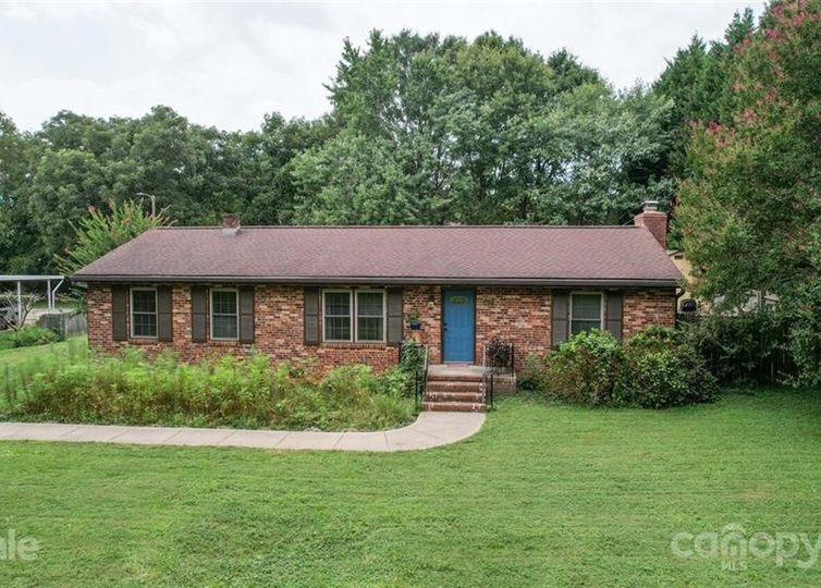 4417 Oak Drive Charlotte, NC 28269