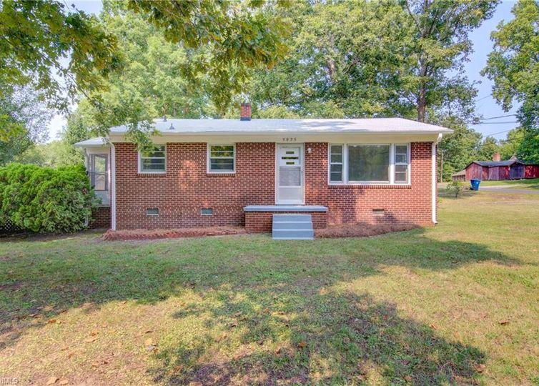 3825 Porte Place Greensboro, NC 27405