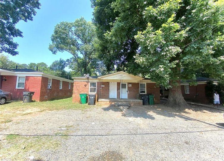 1516 Catherine Simmons Avenue Charlotte, NC 28216