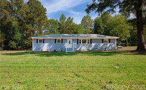 8425 Knollwood Circle Charlotte, NC 28213 - Image 1