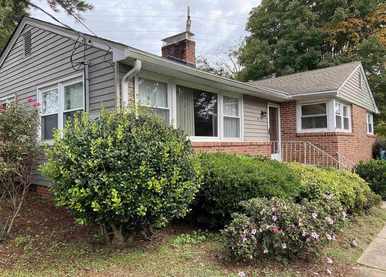 15 Plainfield Circle Greenville, SC 29605