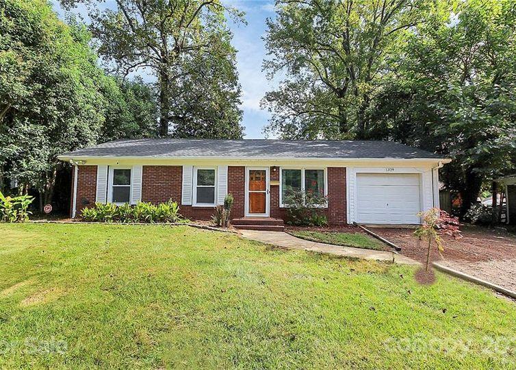 1329 Lakedell Drive Charlotte, NC 28215