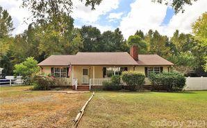 422 Catawba Circle Matthews, NC 28104 - Image 1