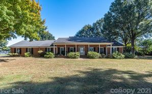 627 Isle of Pines Road Mooresville, NC 28117 - Image 1