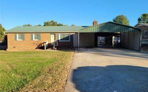 125 Center Circle Mocksville, NC 27028 - Image 1