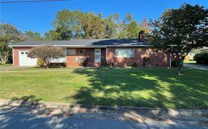 706 Seehorn Street NE Lenoir, NC 28645 - Image 1