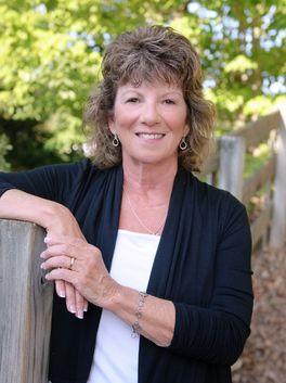 Bobbi McEntee - Allen Tate Realtors